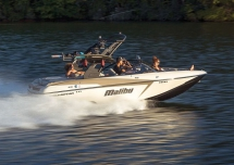 2018 Malibu 20 VTX Crossover Towboat - Boats for the cottage