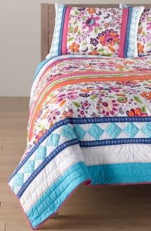 Amity Home Carrie Quilt - Christmas Gift Ideas