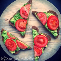 Avocado & tomato on whole wheat bread - Healthy Alternatives