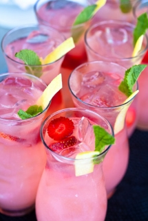 Lemonade Sparkler - Food & Drink
