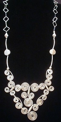 wire swirls necklace - Jewlery making ideas