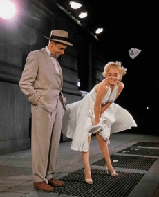 Marilyn Monroe with Tom Ewell - Marilyn Monroe