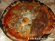 Pizza in Naples, Italy - Bucket List