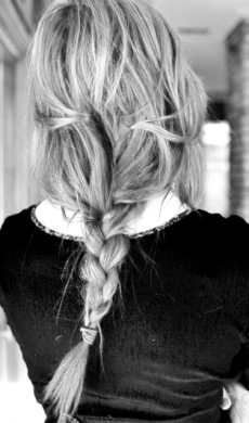 Messy and loose hair braid - Hair Styles to Try