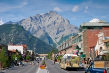 Banff, Alberta - Travel & Vacation Ideas