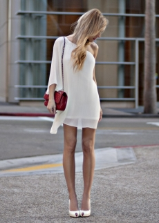 Smiple and sleek white dress - Knock 'em Dead Dresses