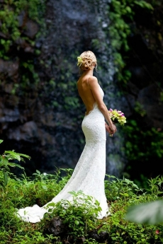 This just might me the wedding dress I want - Great Wedding Ideas