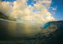 A perfect moment surfing at Teahupoo - Surfing