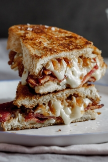 Crispy Bacon & Brie Grilled Cheese Sandwich With Caramelised Onions - Sandwiches