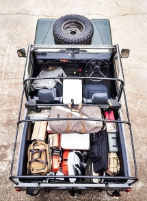 Defender 90 packed and ready to go - Trucks