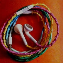 DIY headphones with embroidery - Fun crafts