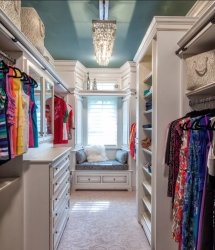 Fabulous custom walk in closet - Great designs for the home
