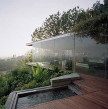 Hollywood Hills Glass Wall House in California - Cool architecture