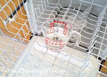 How to clean your dishwasher - Tips & Tricks