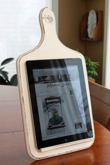 iPad holder - Christmas gift ideas for the Wife