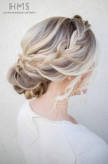 Loose braided updo hairstyle - Fave hairstyles