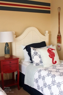 Nautical Bedroom - Beach House Decor Ideas
