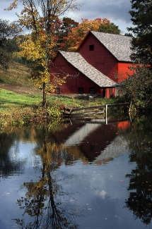 Old barn in Vermont - Barns