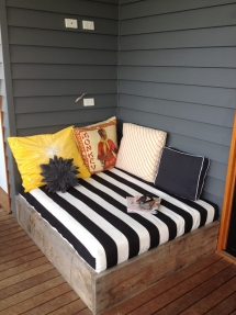Outdoor daybed - Backyard ideas