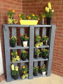 Pallet plant holder - DIY Projects
