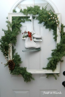 Picture Frame Wreath - Holidays