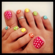 Polka dot toe nails - Nail Art