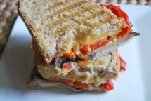 Roasted Red Pepper, Portabella and Smoked Gouda Grilled Cheese - Recipes & Fave Foods