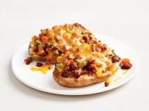 Shepherd's Pie Baked Potatoes - Tasty Grub