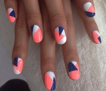 triangle nail art - Nails