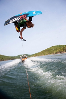 Wakeboarding: Great action shot. - Wakeboarding is awesome