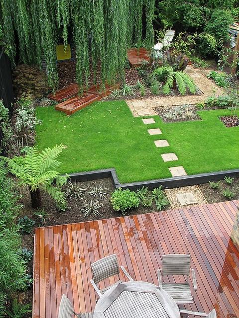 Vacation Idea: Asymmetric Family Garden