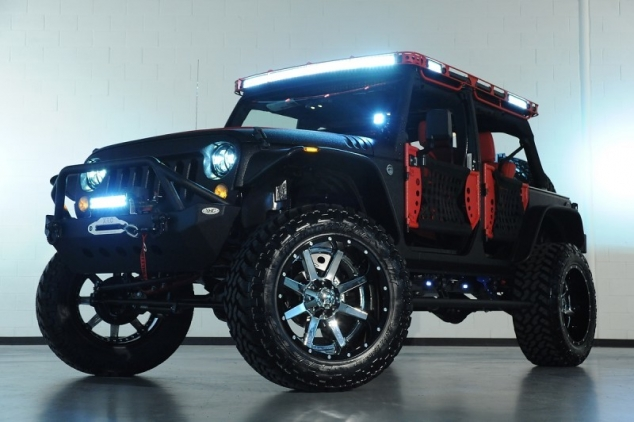 Black & Red Jeep Wrangler Unlimited Starwood Custom - Image 2
