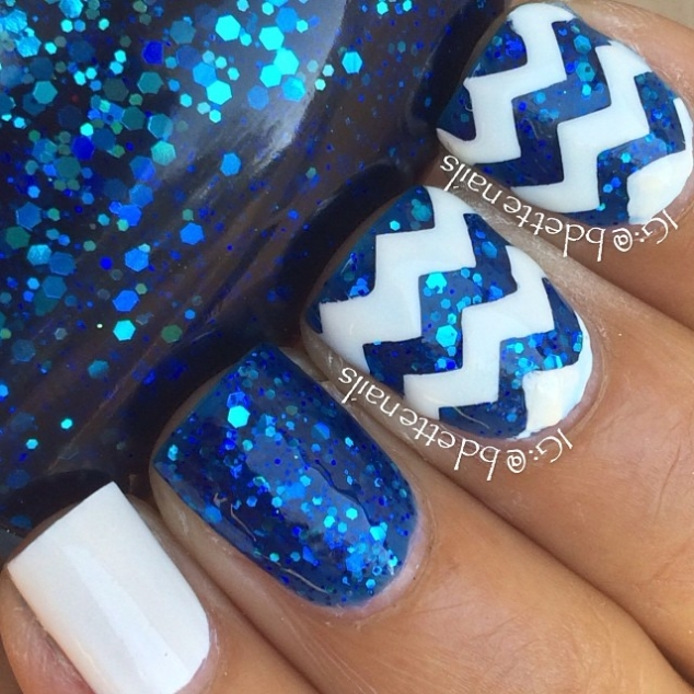 Blue & white nail art