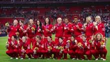 Canadian women's soccer team gets Olympic bronze medals
