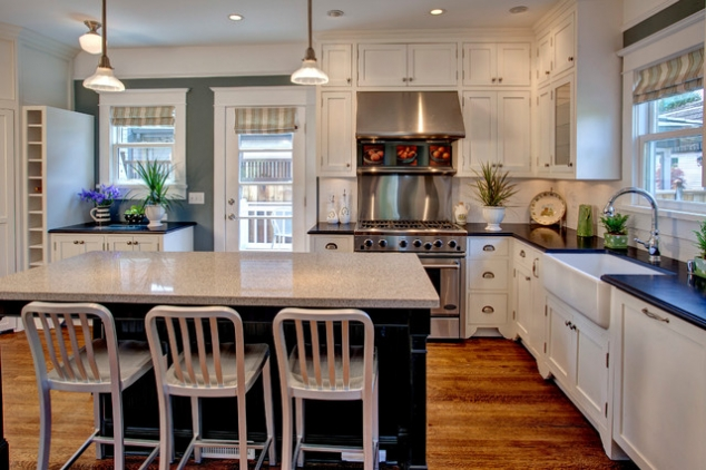 Contrasting Kitchen Cabinets - FaveThing.com