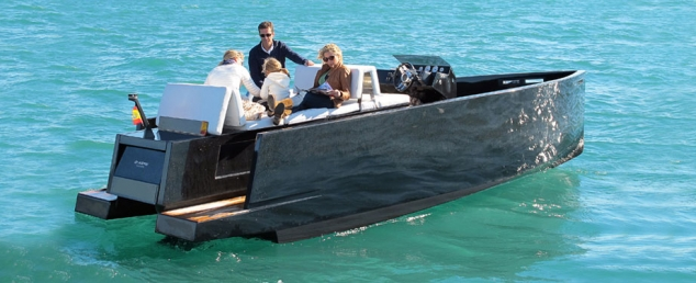 D23 from DeAntonio Yachts - Image 2