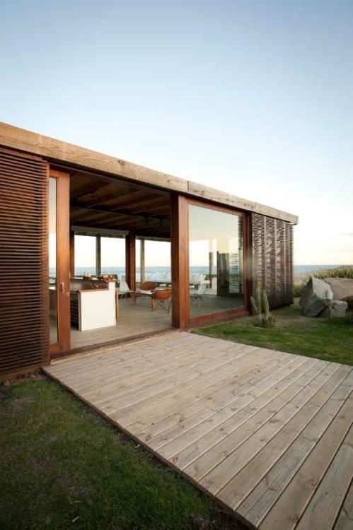 Fantastic modern beach house for Simple beach house designs