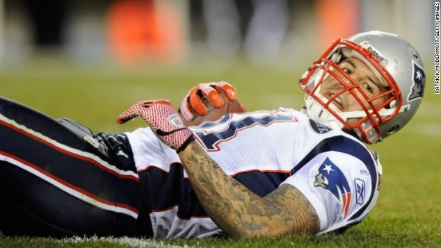 Former NFL player Aaron Hernandez charged in 2012 double homicide - Image 3