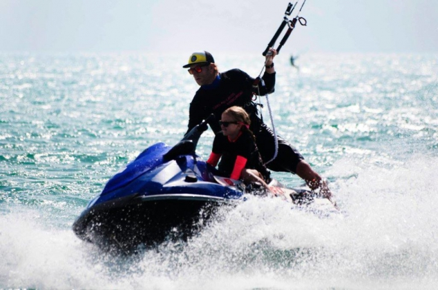 Kitesurfing Lessons from Turks and Caicos Kiteboarding (TCK) - Image 2