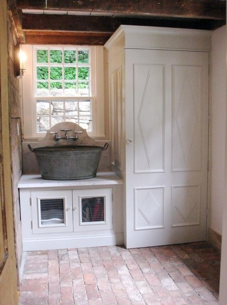 Laundry Room Sink Ideas : Vintage Wash Bucket As A Large Sink in Nice decor design ideas