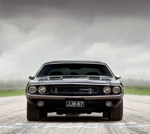 Old Car Images Hd: Dodge Challenger
