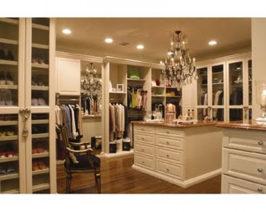 Closet renovation great use of islands for Great closets