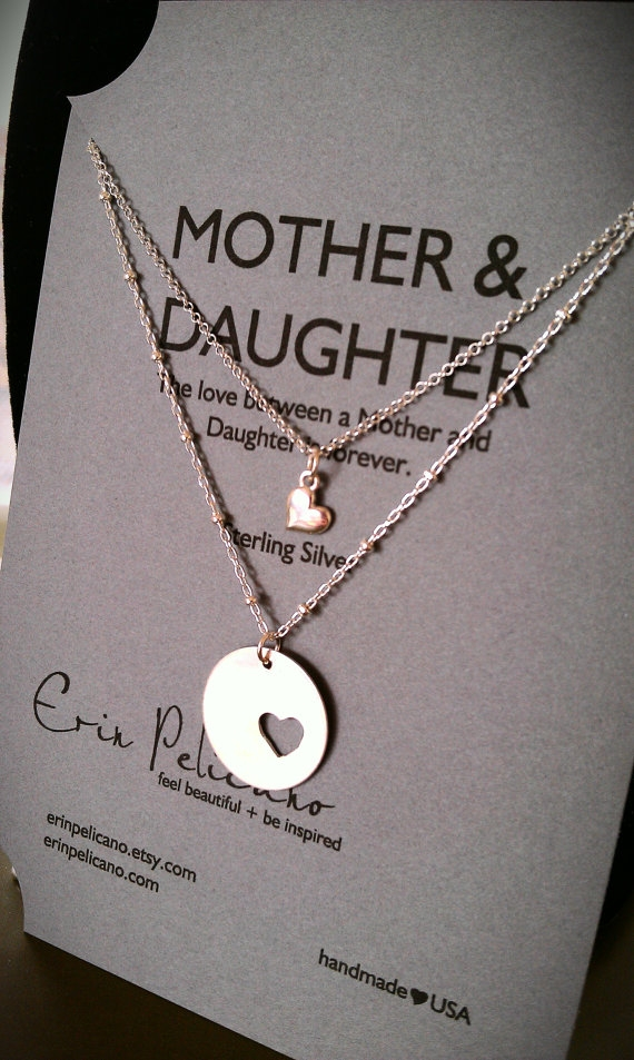 Gift Ideas For Mother To Give Daughter On Wedding Day : Mother Daughter Necklace Set in Gift ideas
