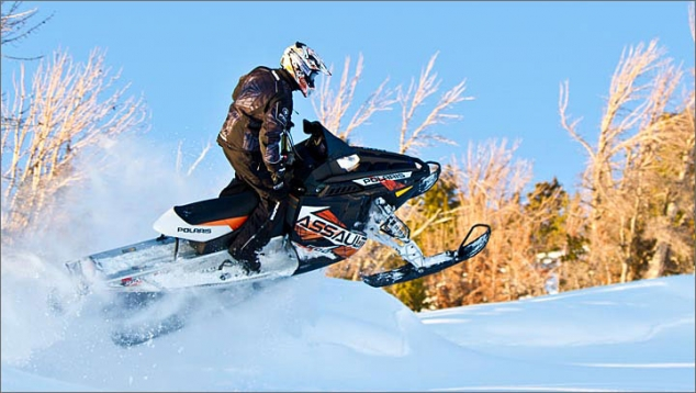 Polaris 800 Switchback Assault 144 Crossover Snowmobile