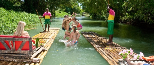 Rafting on the Martha Brae river Jamaica - Image 2