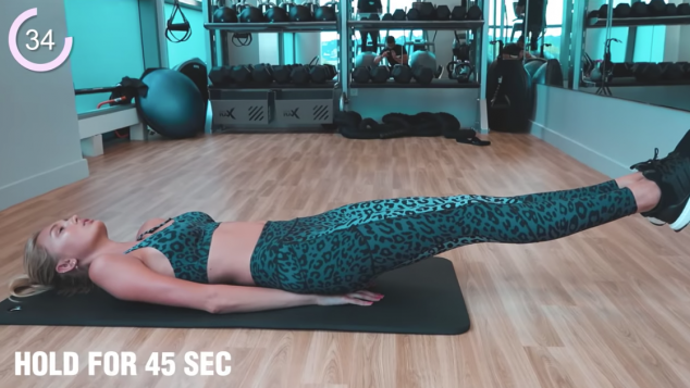 Romee Strijd - 15 Minute Ab Workout - Image 3