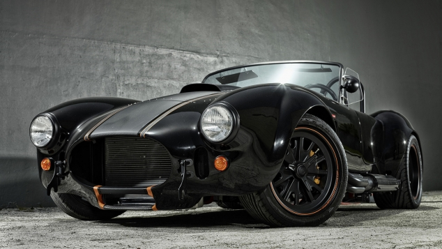 shelby cobra classic car with modern paint job. Black Bedroom Furniture Sets. Home Design Ideas